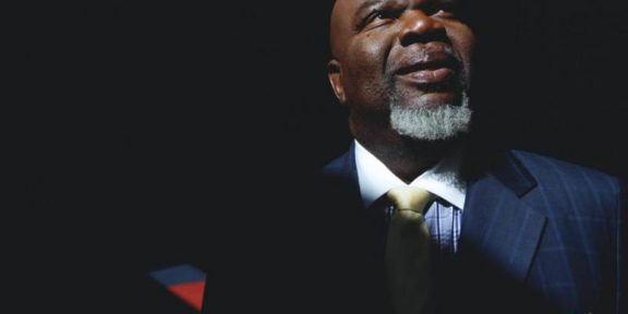 Bishop T D  Jakes Announces Launch Of Divinity School, Draws